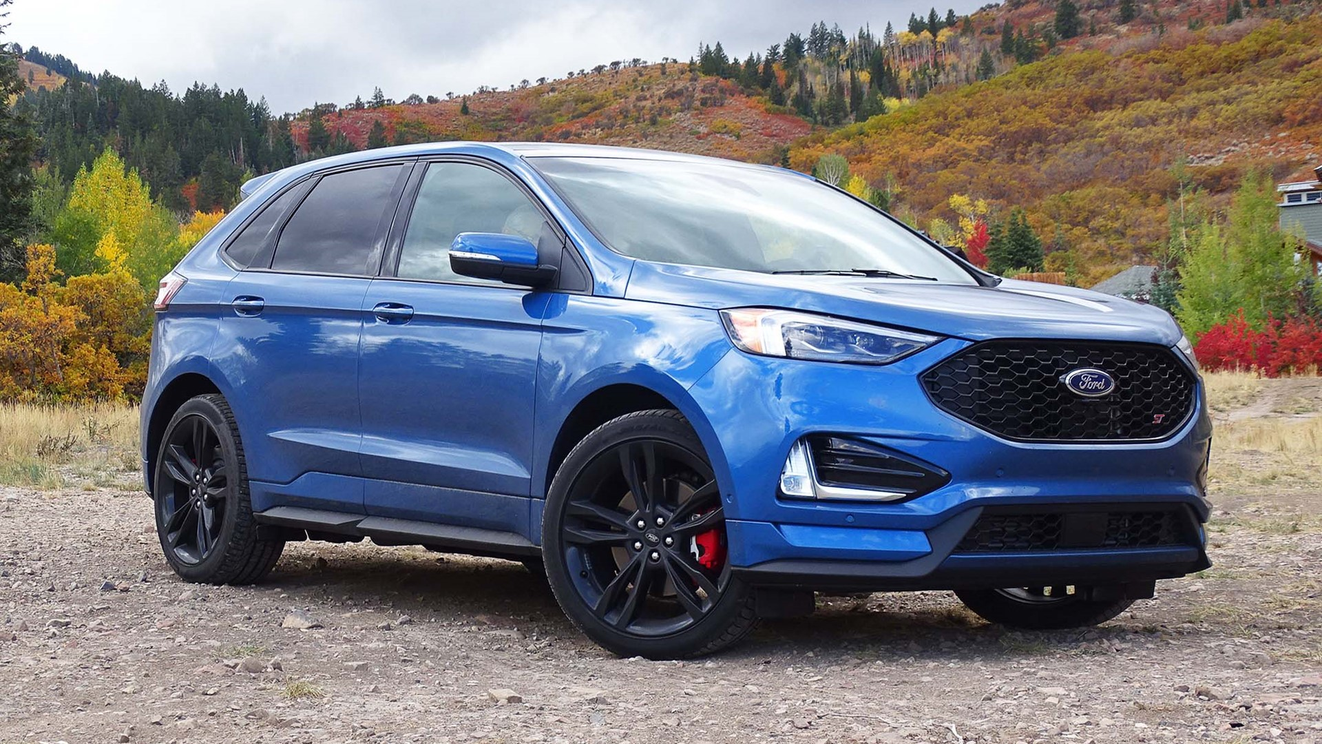 48 A 2019 Ford Edge Sport Style