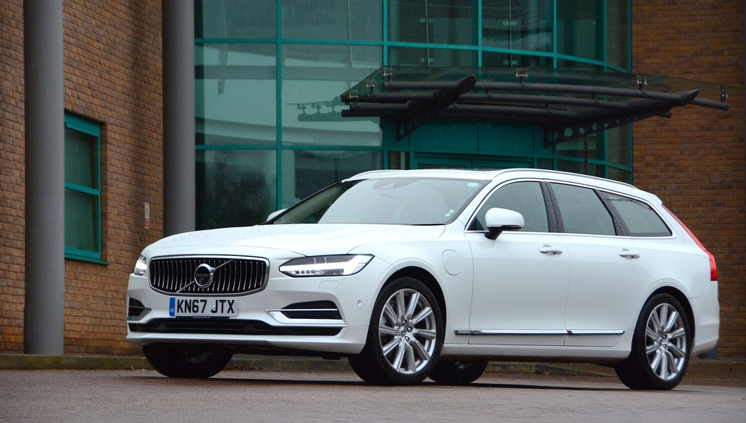 48 The Volvo V90 Redesign and Review