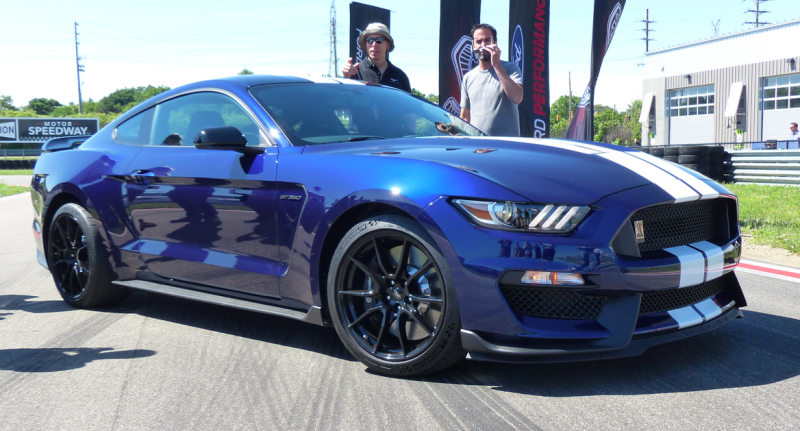 54 A 2019 Ford Mustang Shelby Gt 350 Performance