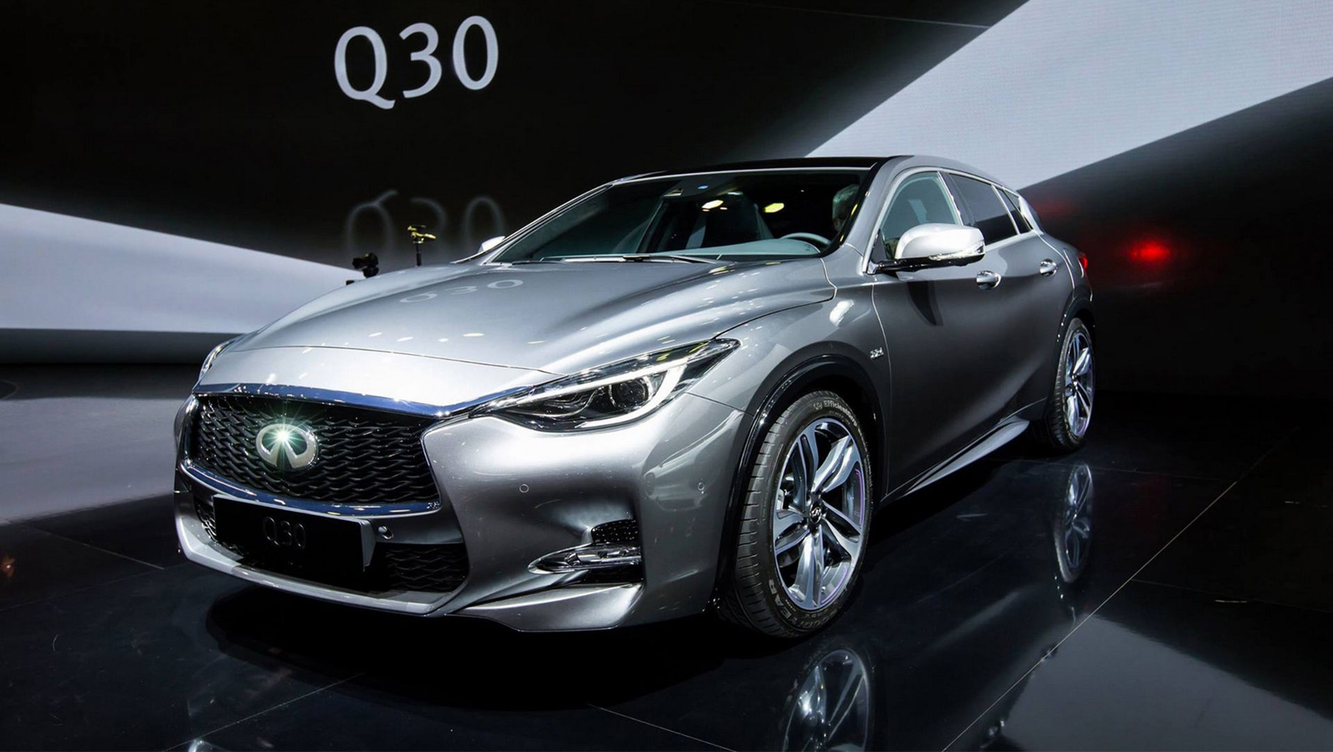 54 The 2020 Infiniti Q30 Images