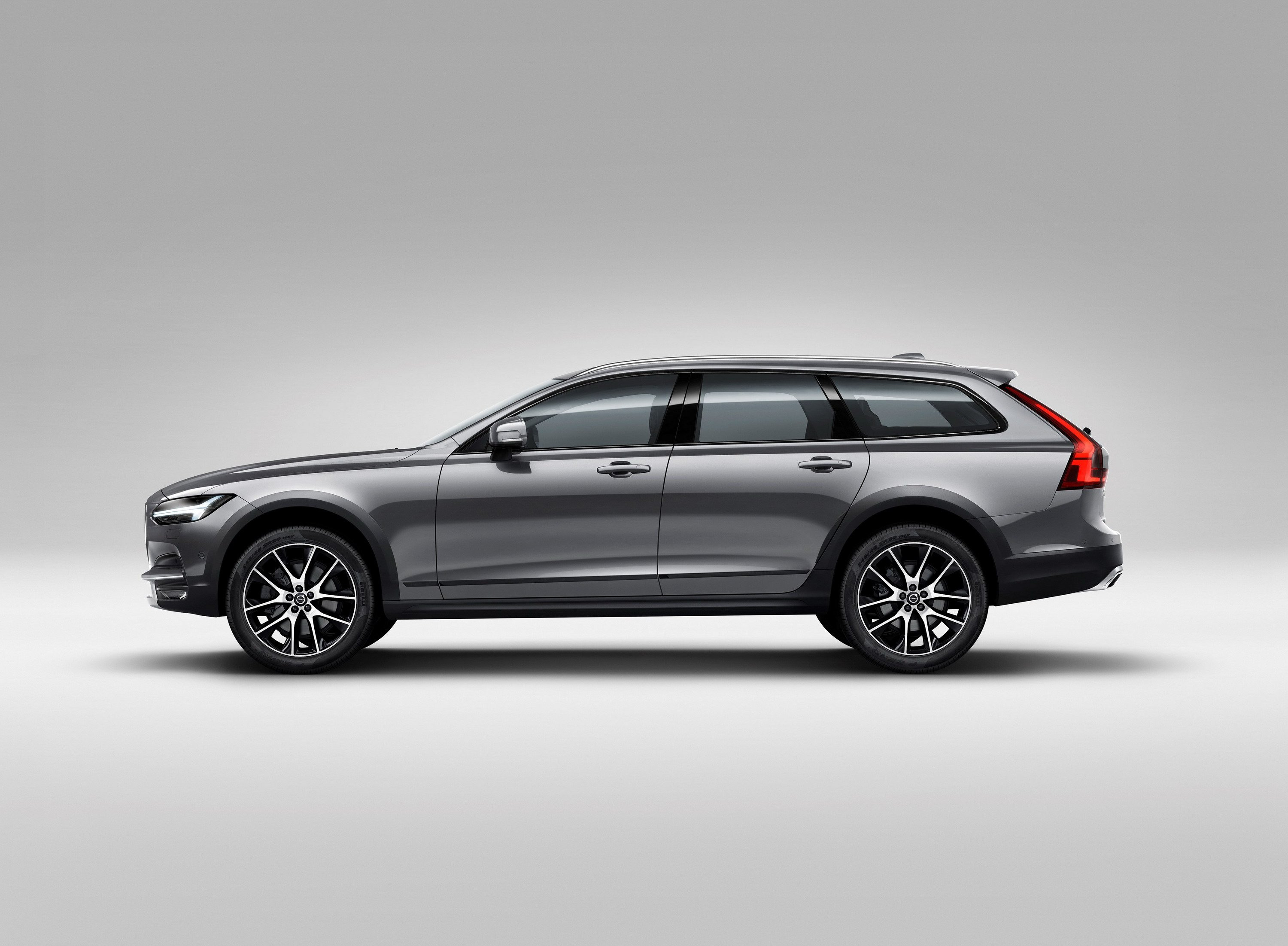 56 A 2020 Volvo Xc70 New Generation Wagon Pictures