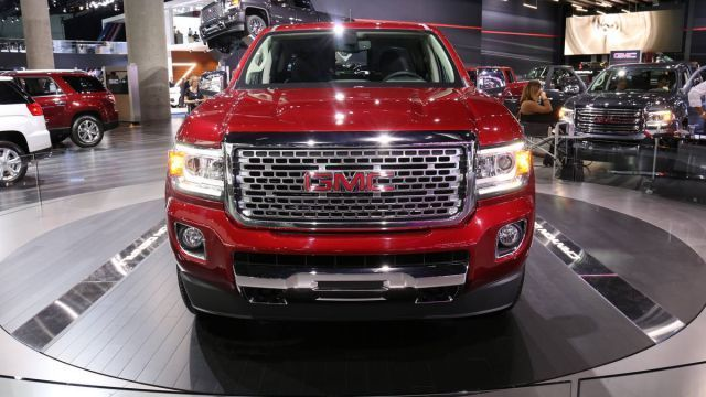 57 All New 2020 GMC Canyon Denali Interior