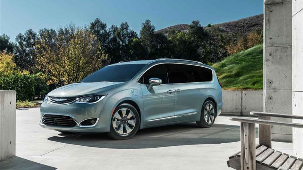 57 The Best 2019 Chrysler Town Country Awd Photos