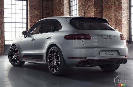 59 A 2019 Porsche Macan Turbo Interior