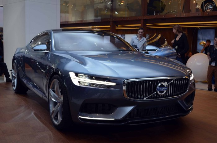 61 A 2020 Volvo S90 Research New
