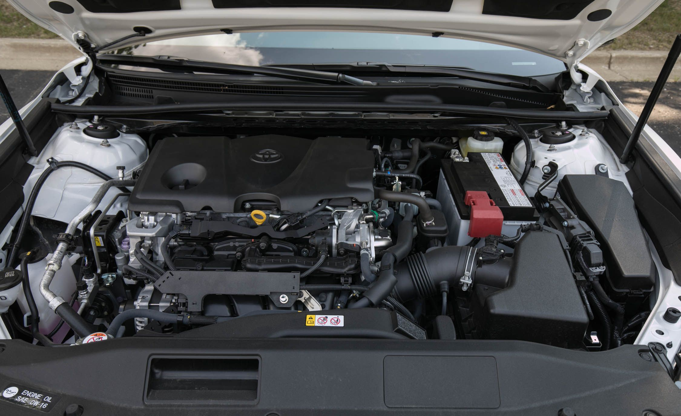 62 A 2020 Toyota Camry Se Hybrid Pictures