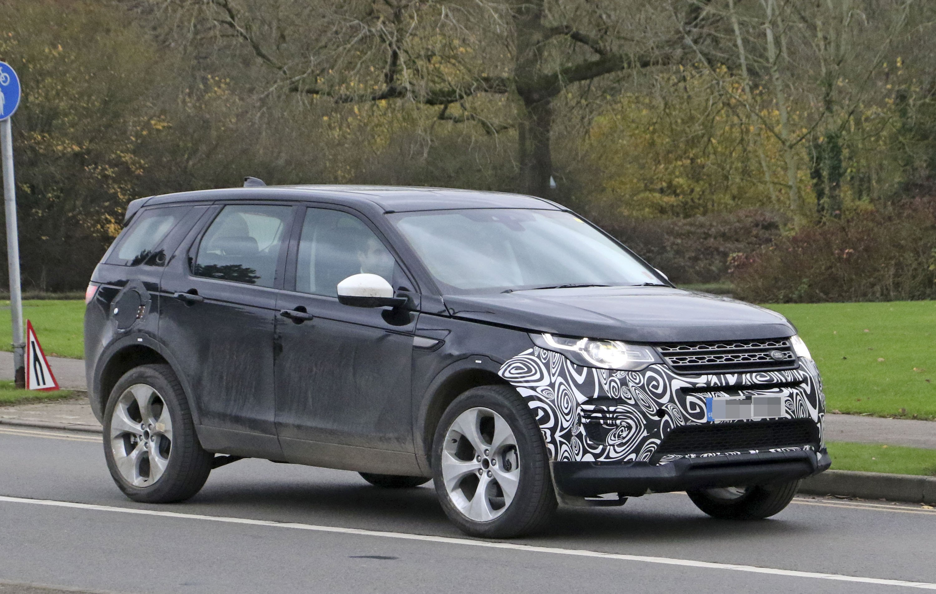 63 The 2020 Land Rover Discovery Exterior