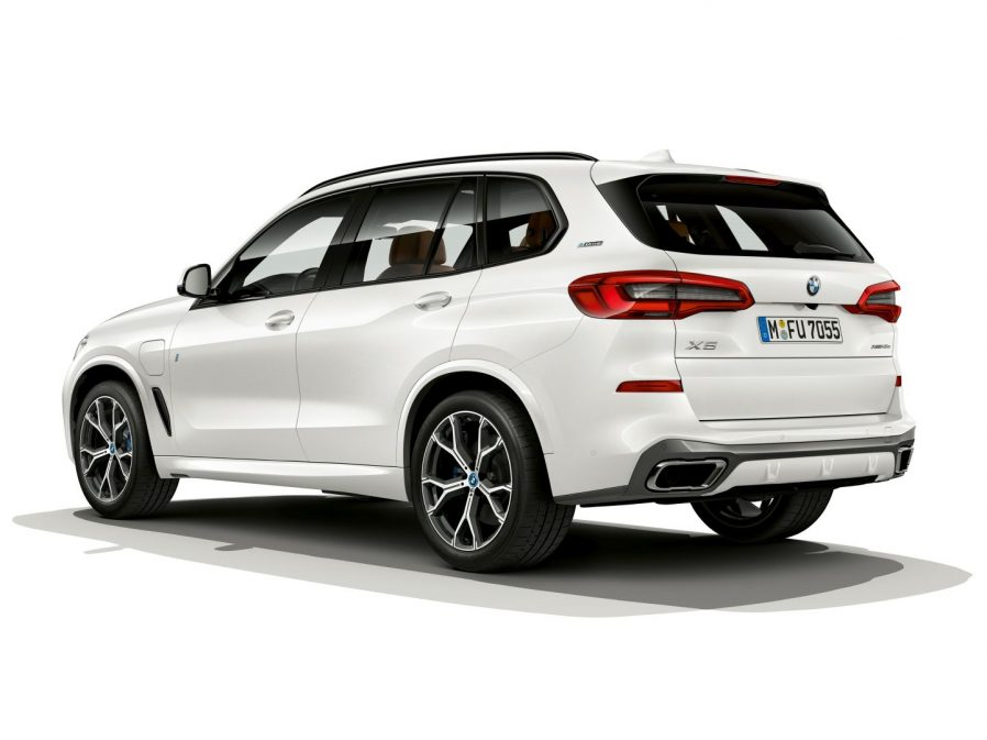 65 A 2020 BMW X3 Hybrid Exterior and Interior