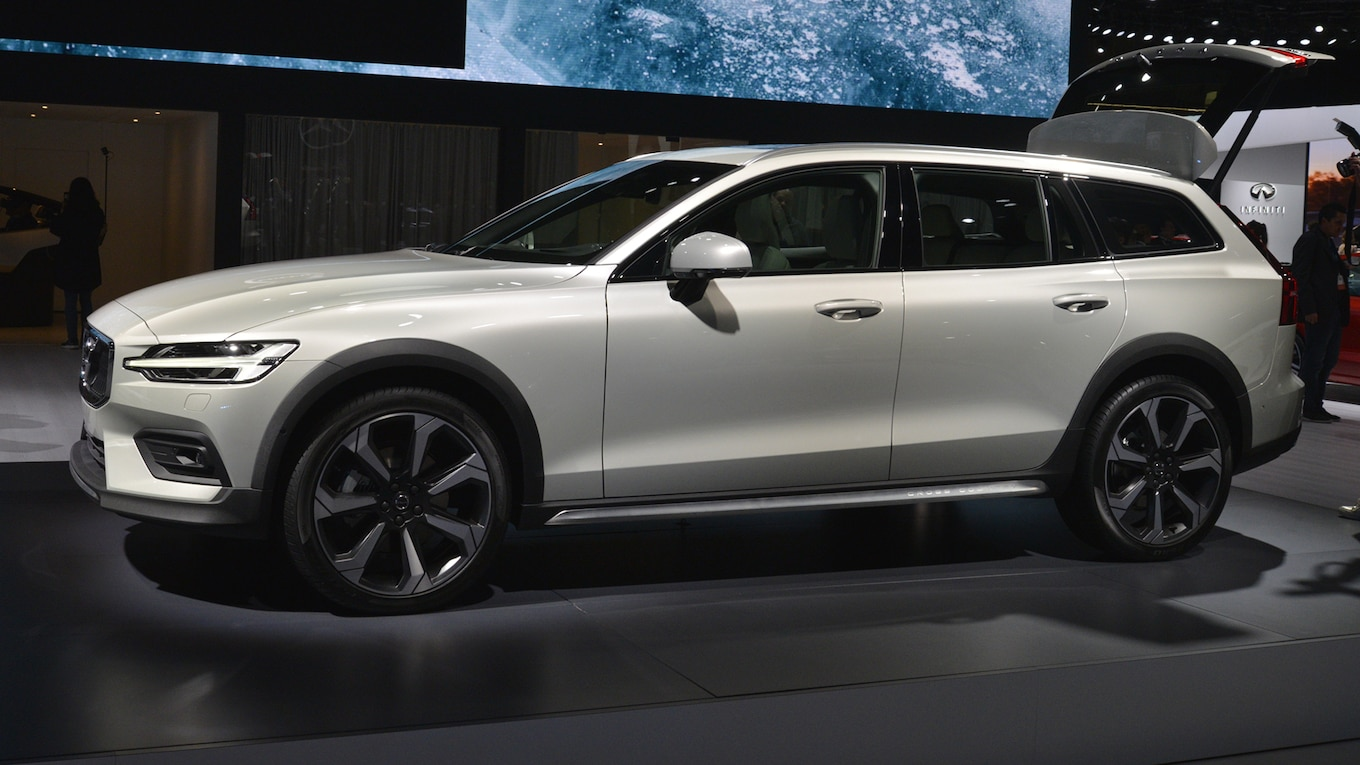 65 All New 2020 Volvo V60 Cross Country Redesign and Concept