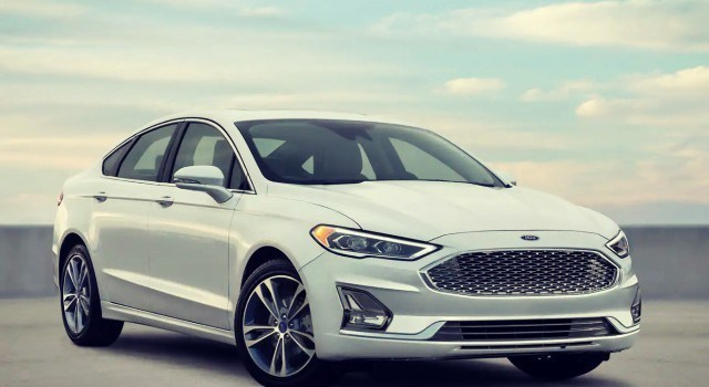 66 The 2020 Ford Fusion Energi Style