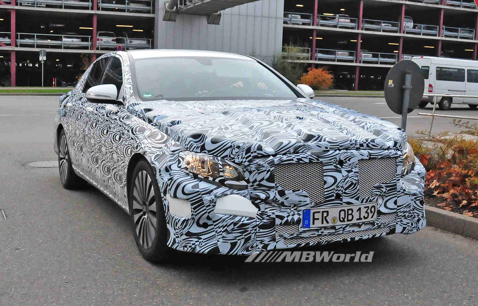 70 A Spy Shots Mercedes E Class Review
