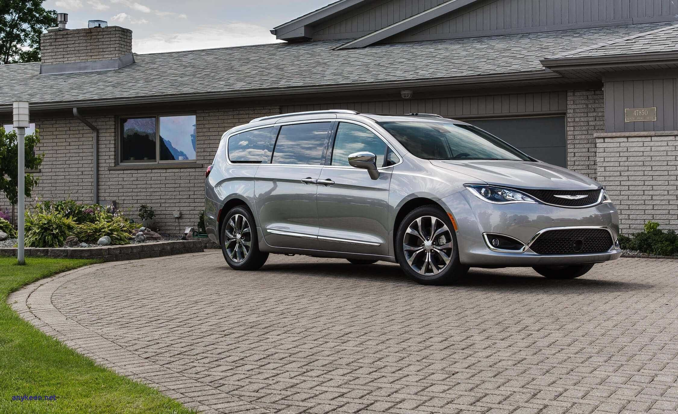 74 A 2019 Chrysler Town Country Release