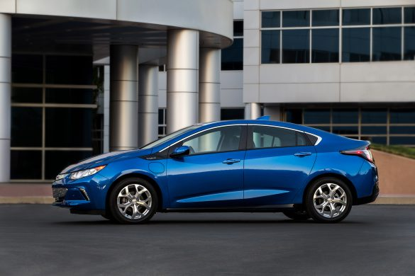 75 A 2020 Chevrolet Volt Pictures