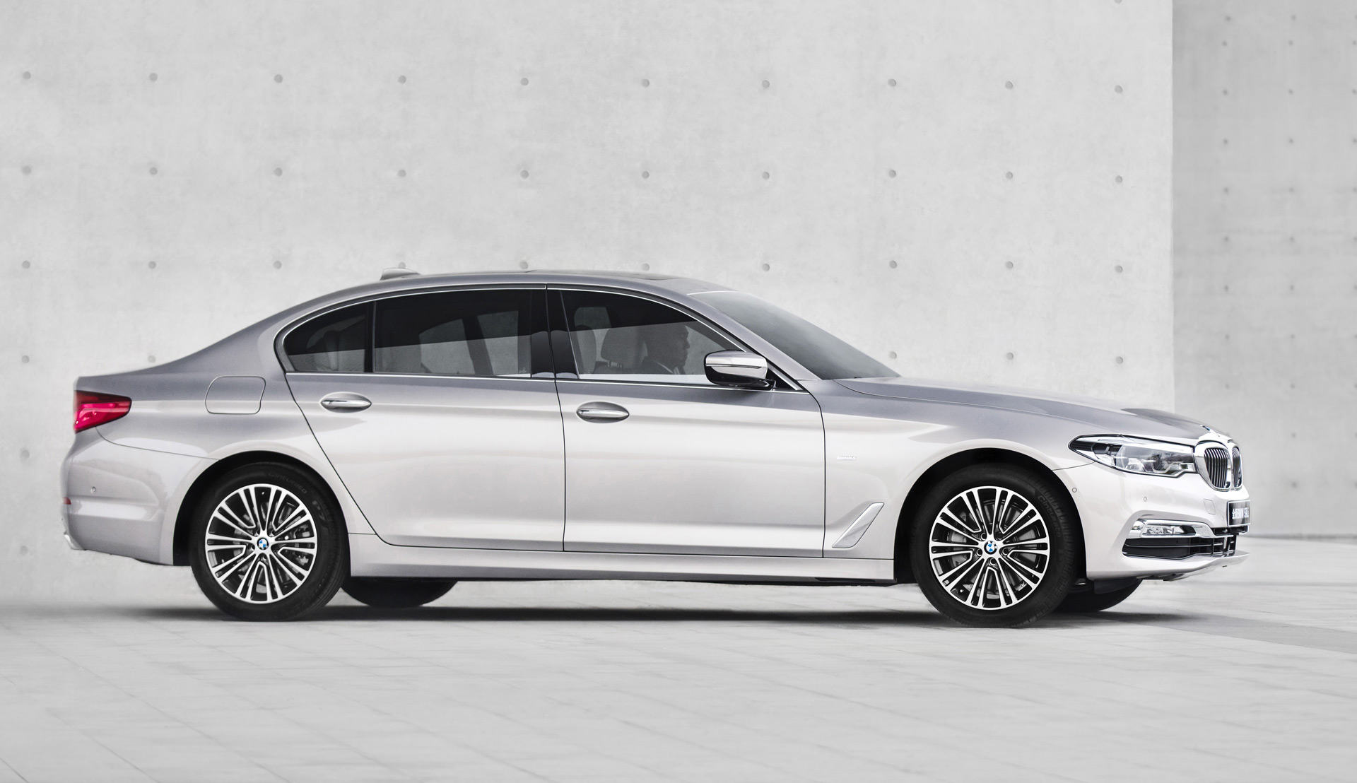 78 The 2020 BMW 550I Exterior and Interior