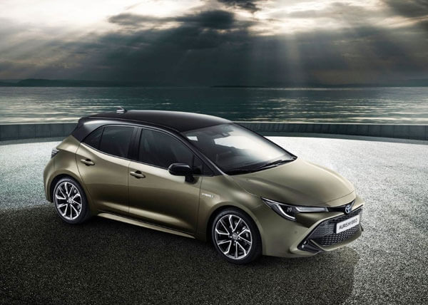 79 A 2020 Toyota Auris Photos
