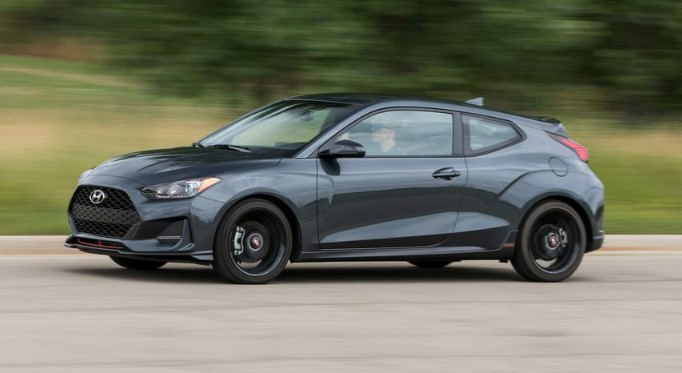 82 A 2020 Hyundai Veloster Turbo Style