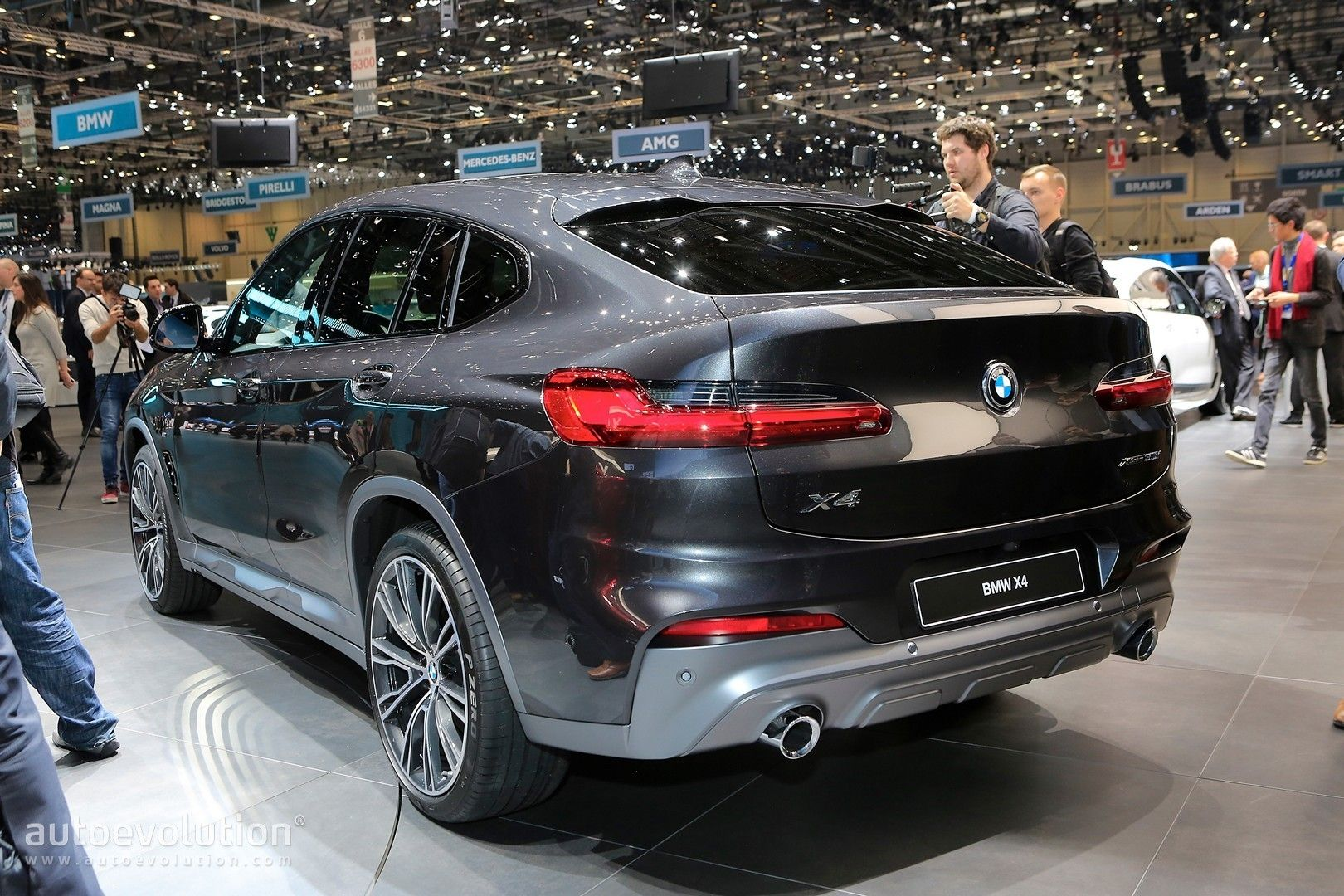 82 A BMW X62019 Research New
