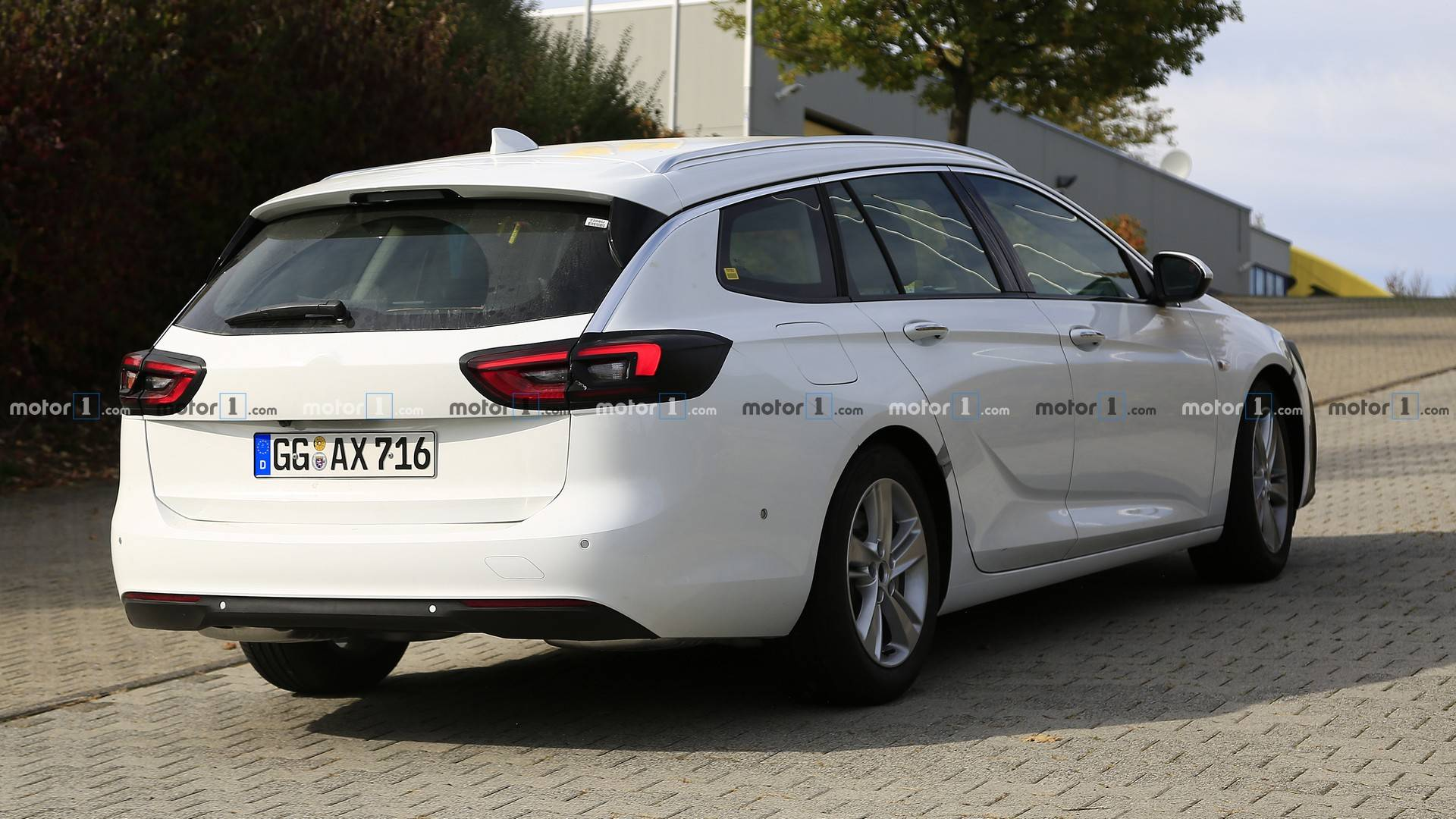 87 The 2020 Opel Insignia Spy Shoot