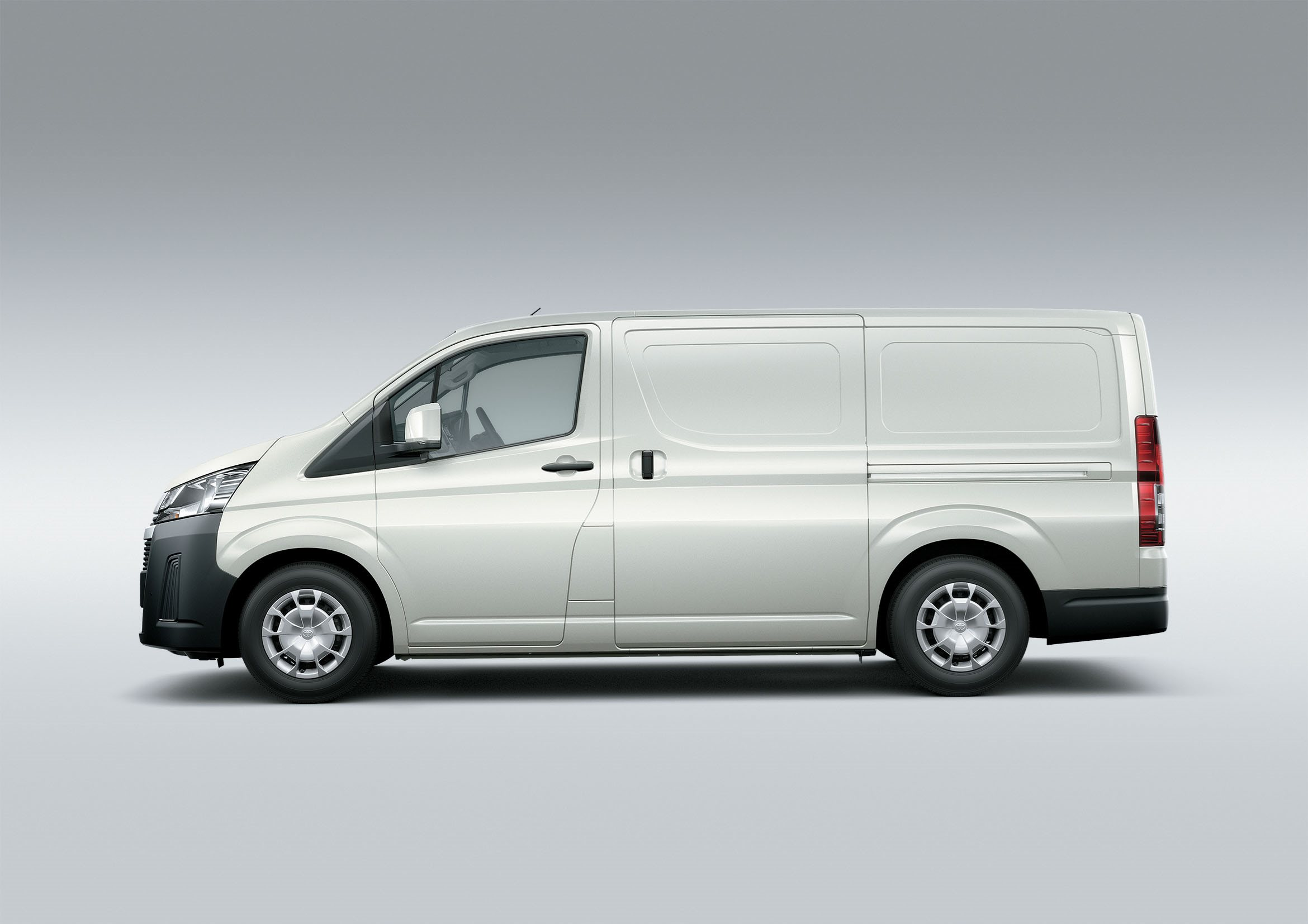 89 A 2020 Toyota Hiace New Review