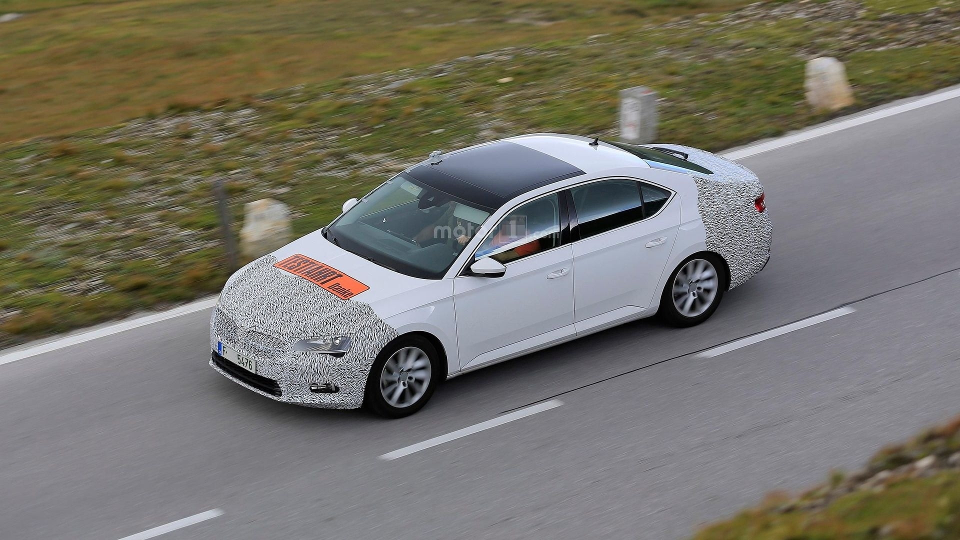 90 The Spy Shots Skoda Superb Price and Release date