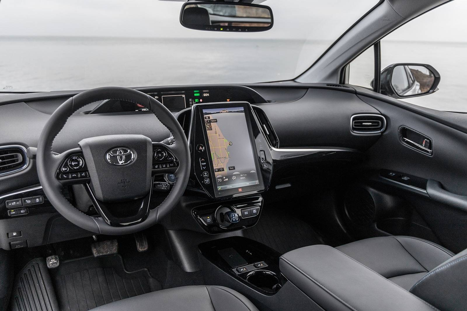 91 A 2019 Toyota Prius Pictures Photos