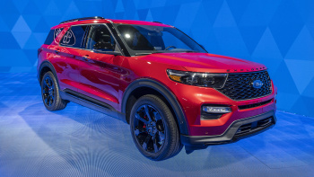 95 A 2020 Ford Explorer Pictures