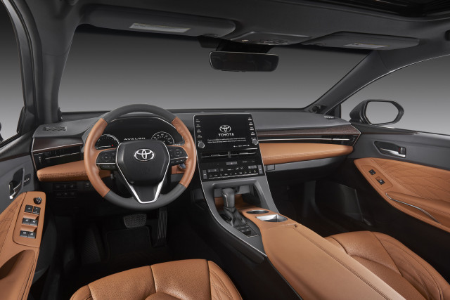 96 A 2020 Toyota Avalon Hybrid Performance and New Engine