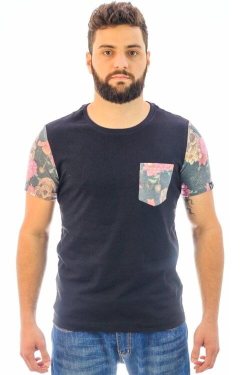 Camiseta Flowers and Skulls (Freedom Soul)