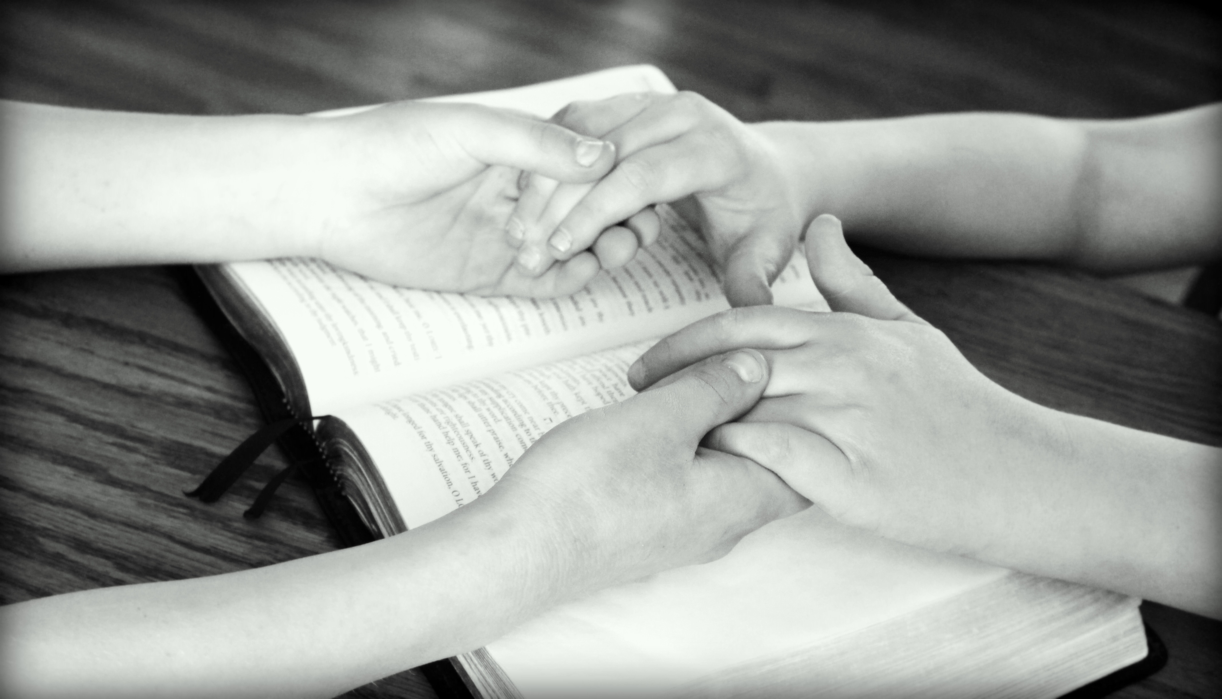 holding-hands-ee30b3072f