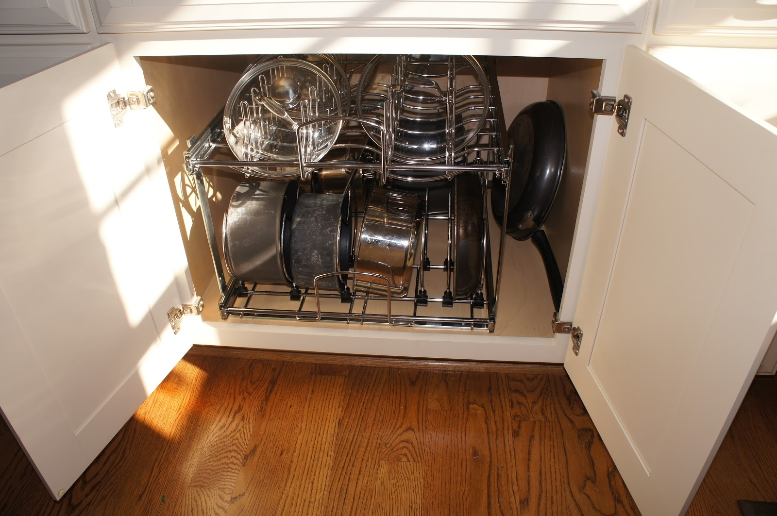 Under Cabinet Storage For Pots And Pans
