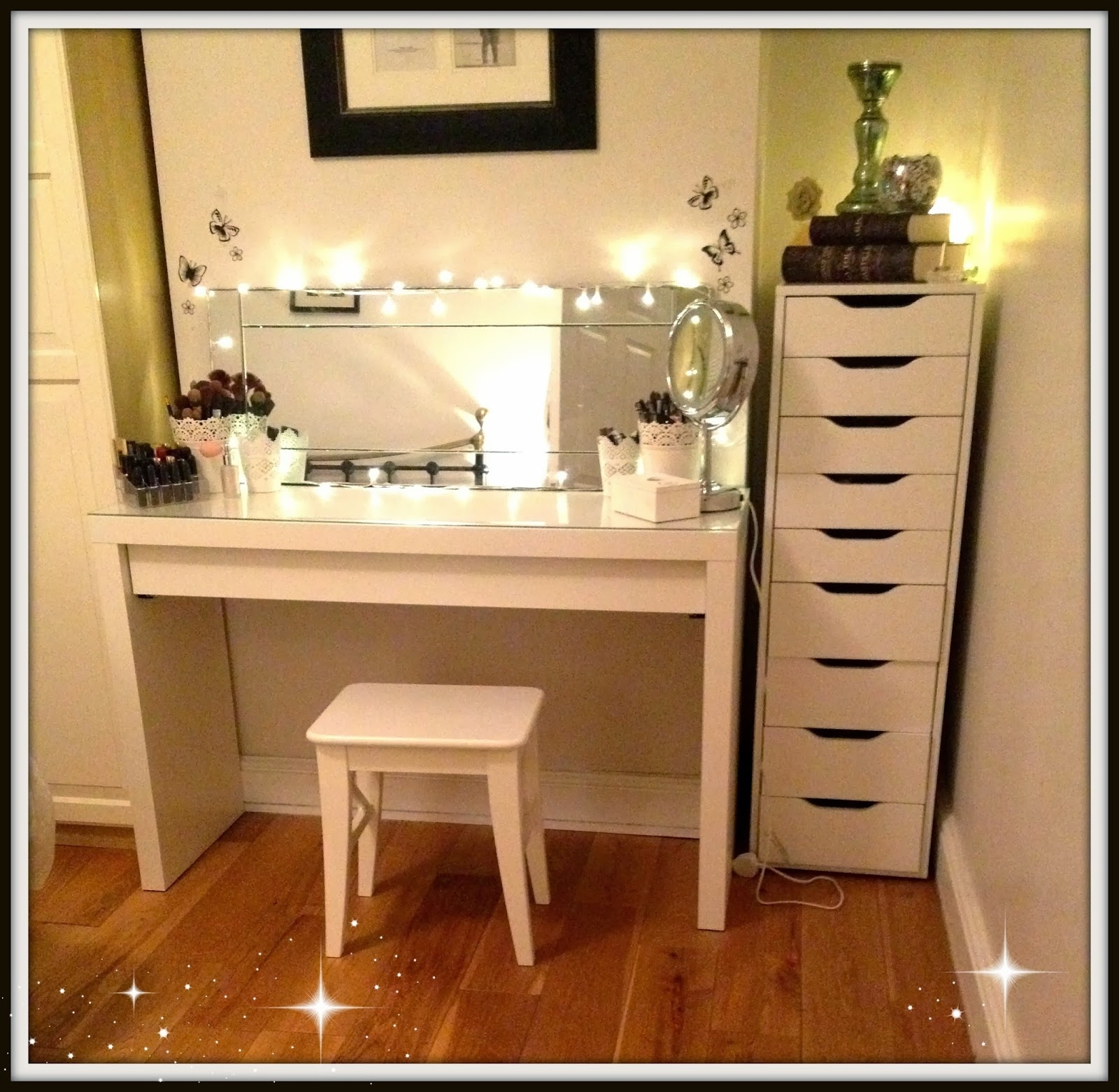 Small Makeup Storage Cabinet