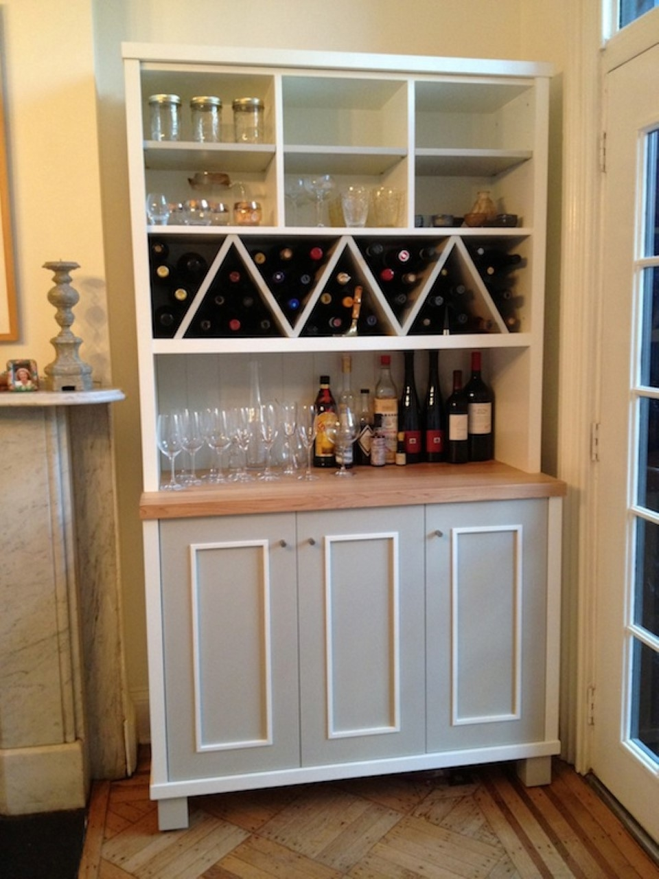 Kitchen Cabinet With Wine Storage