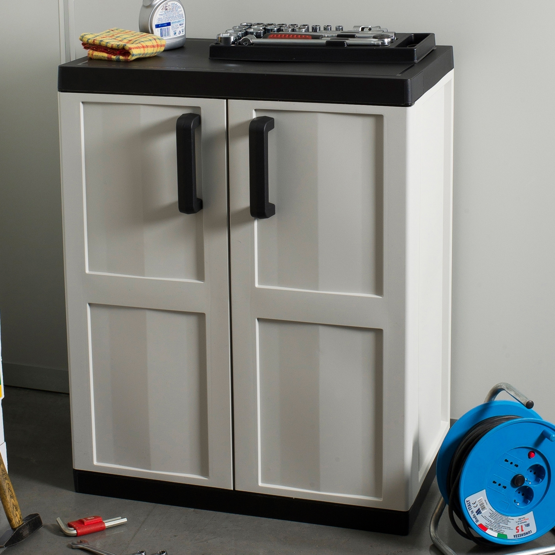 Mobile Storage Cabinets Rubbermaid