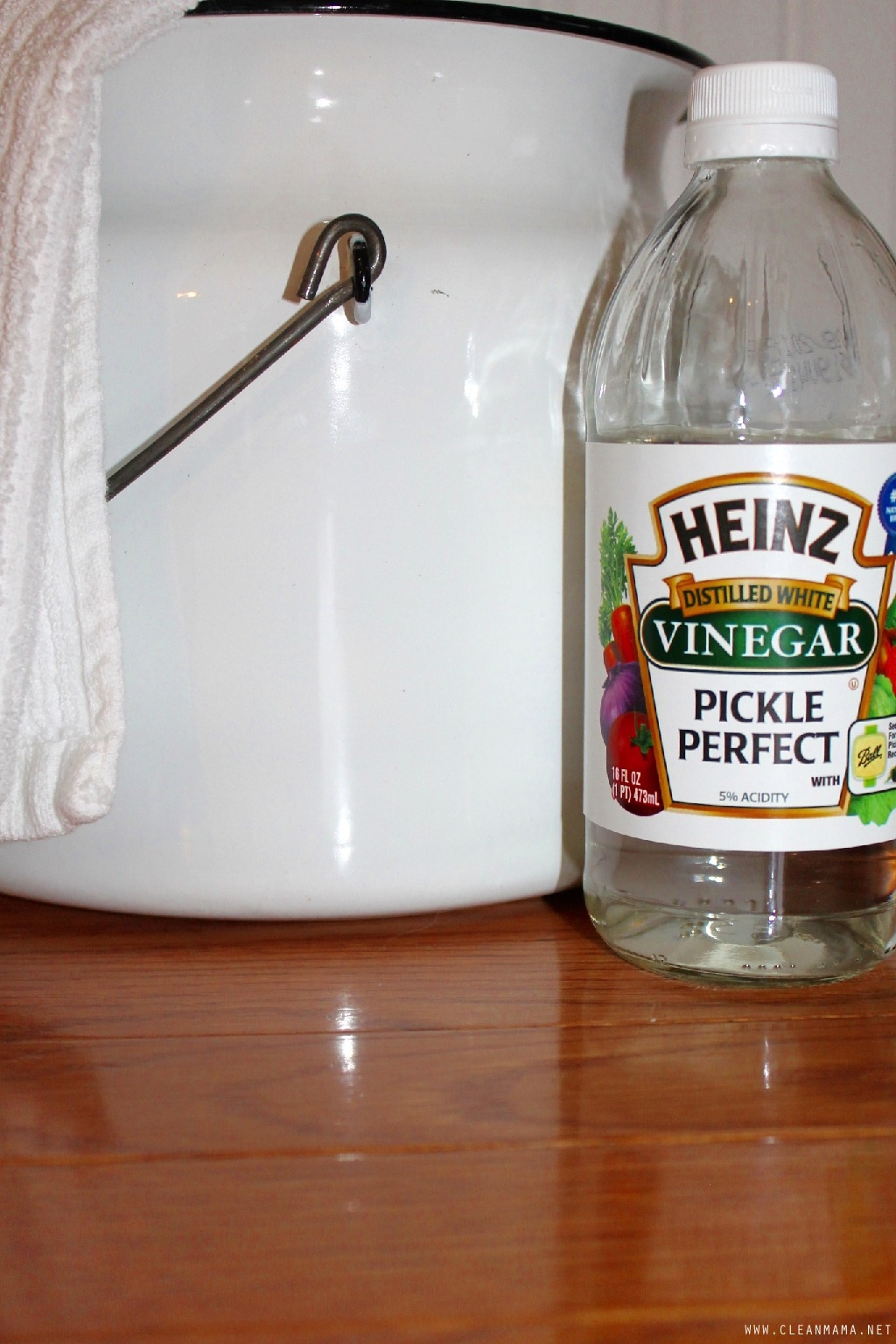 Washing Wood Floors With White Vinegar