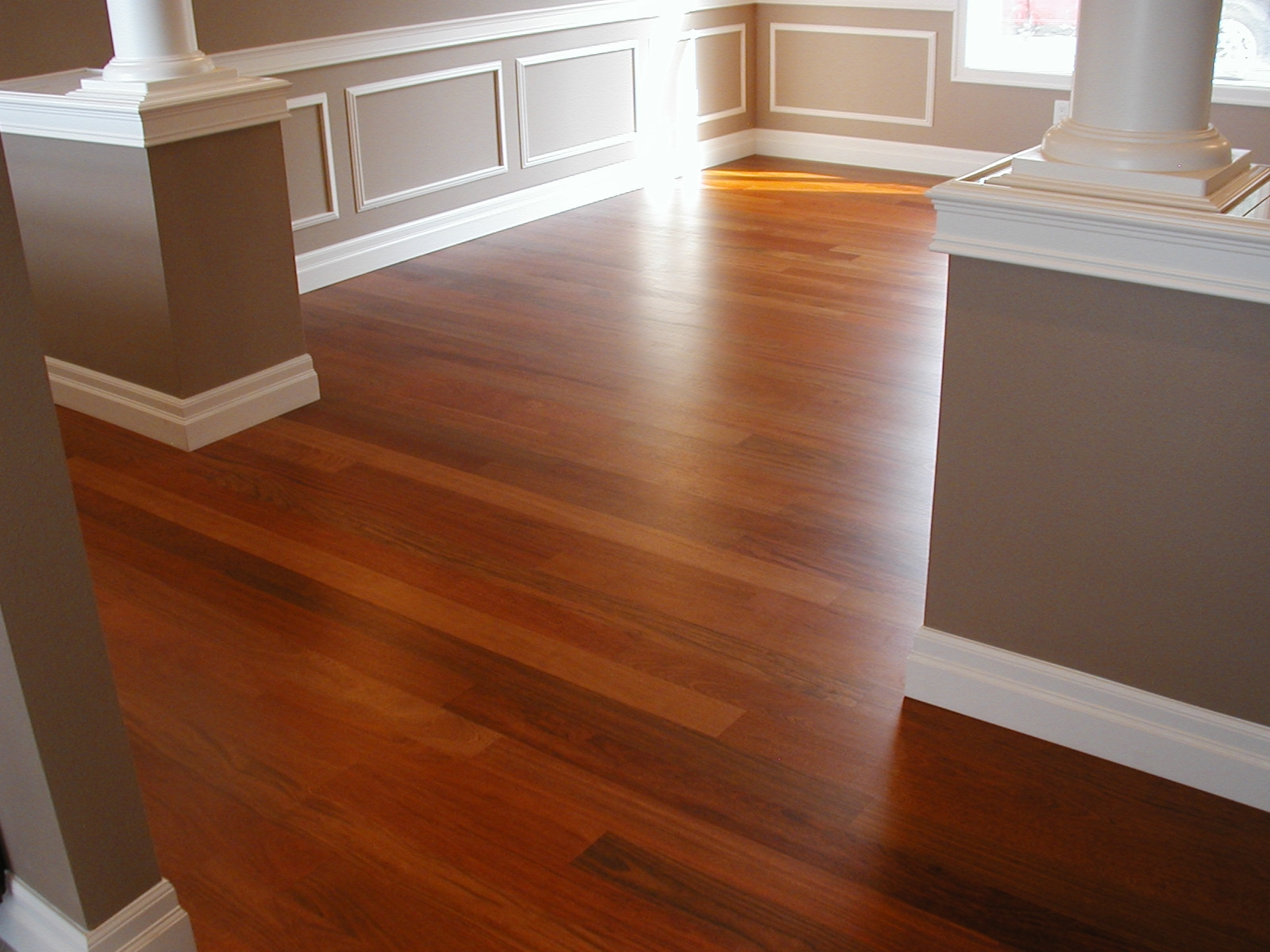 Choose Color Laminate Wood Flooring