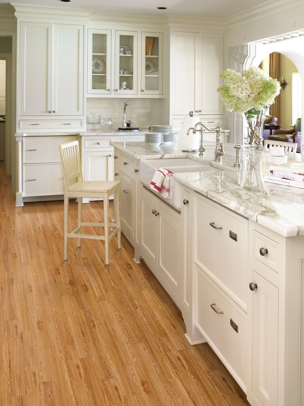 Light Wood Floors With White Cabinets