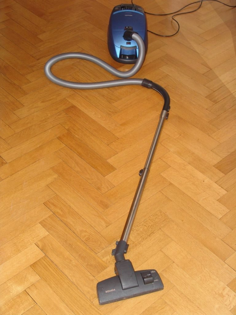 Best Vacuum For Wood Floors Consumer Reports