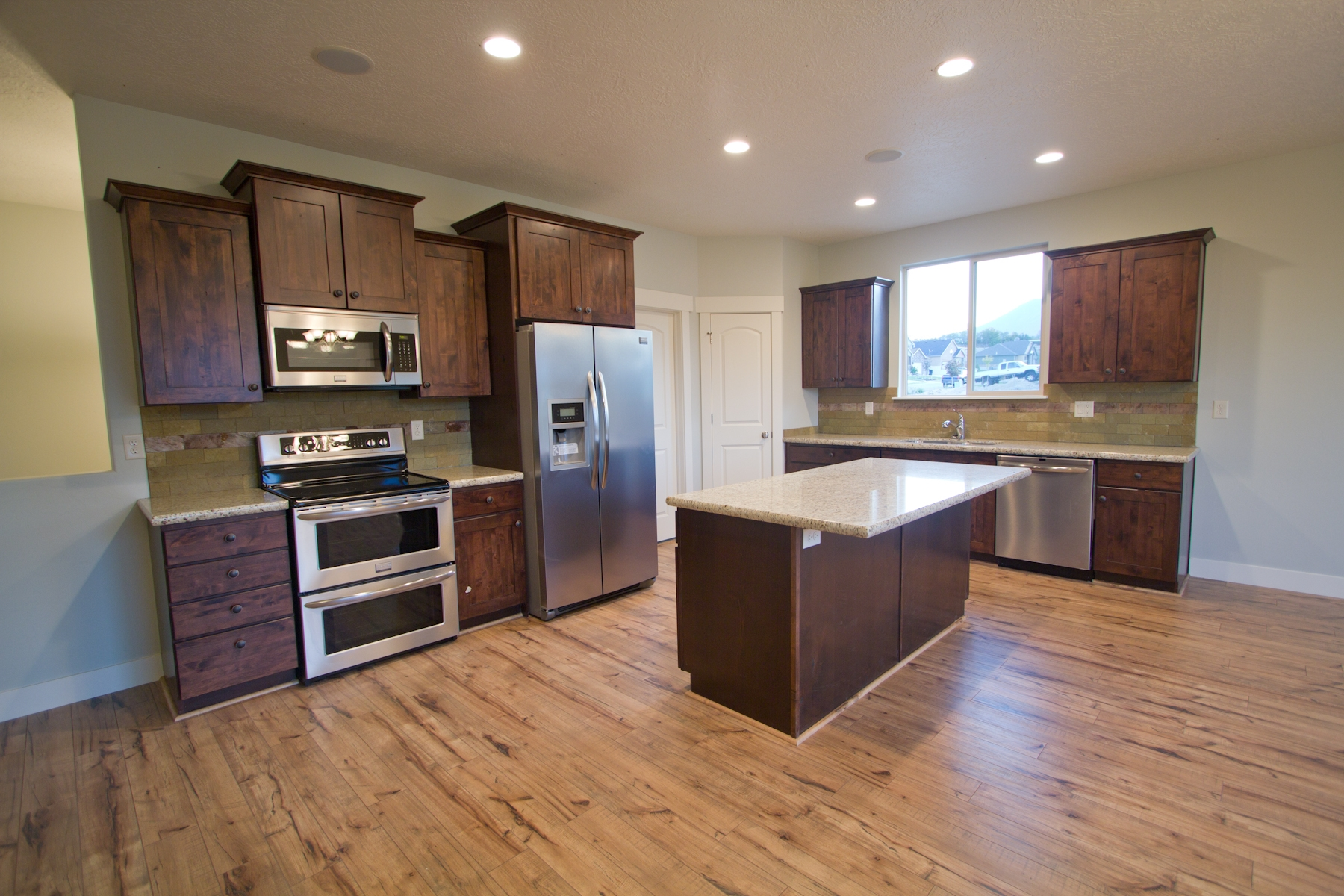 Light Wood Floors With Dark Cabinets