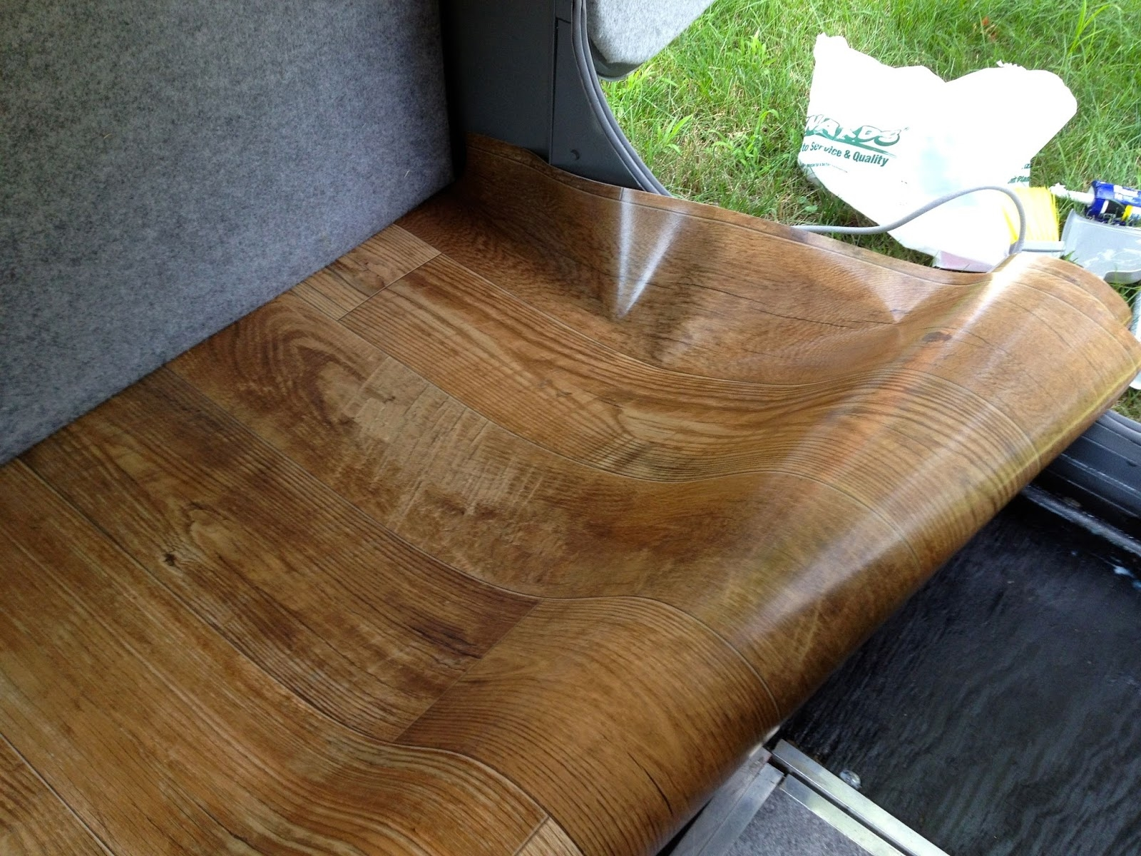 Wood Grain Vinyl Flooring Rolls