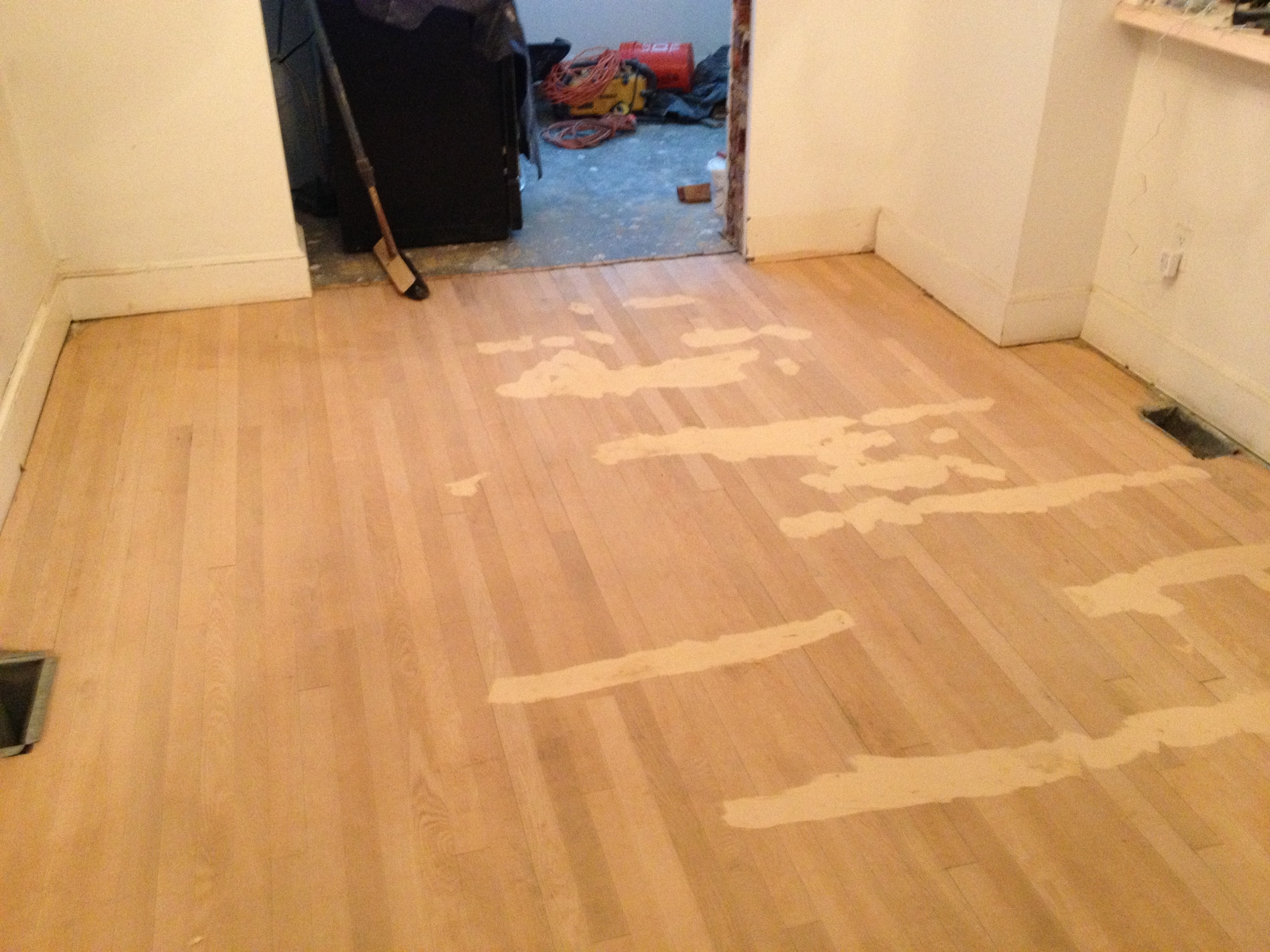 Laminate Wood Floor Gap Filler