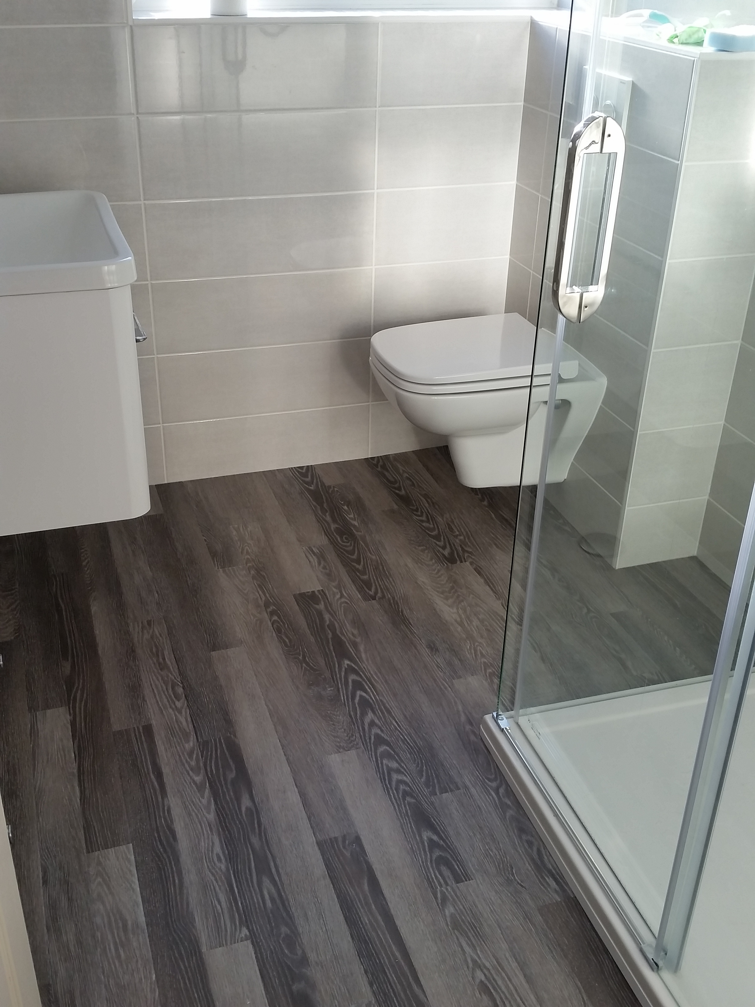 Wood Effect Vinyl Bathroom Flooring