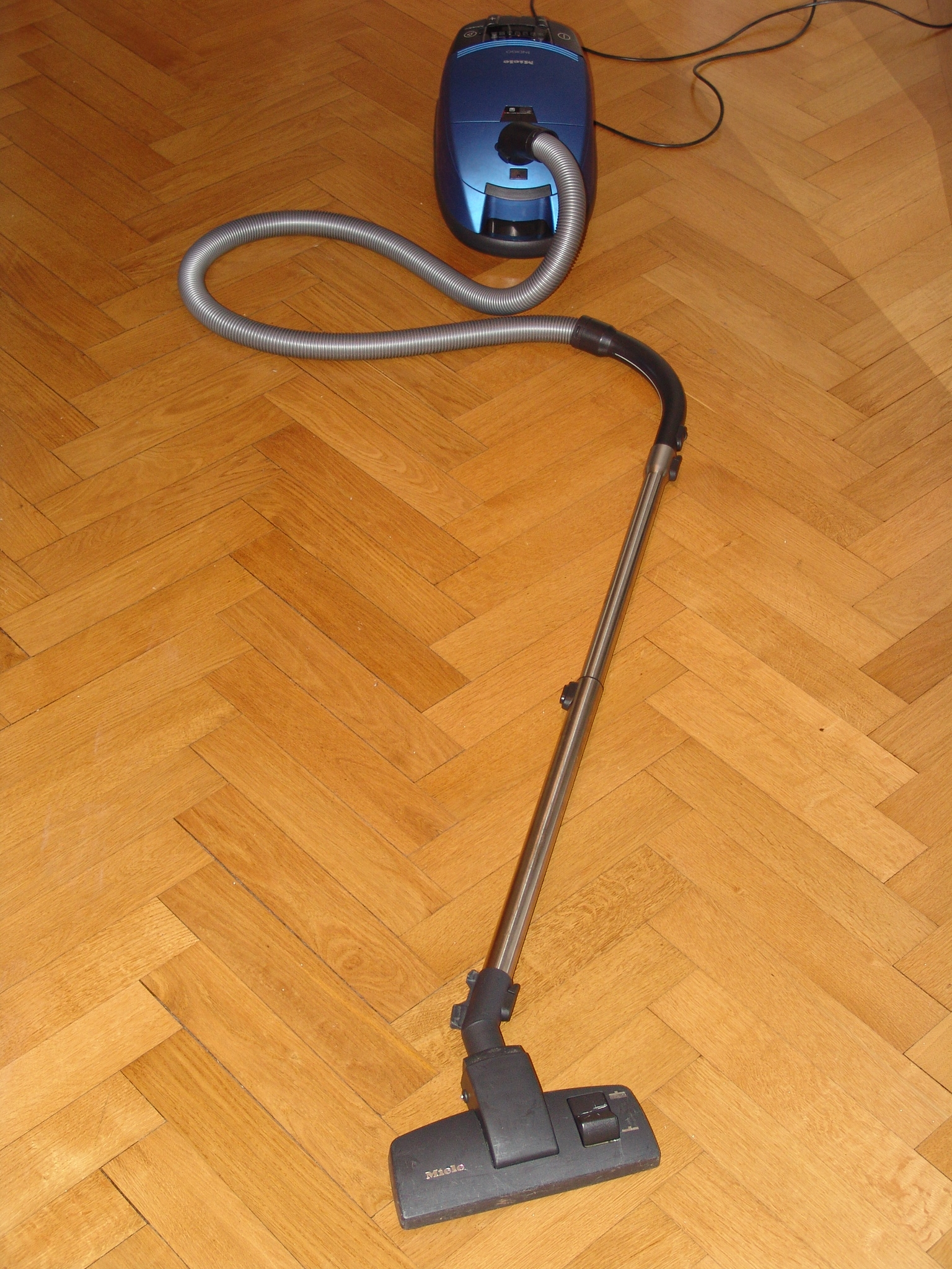 Vacuum Sweeper For Wood Floors
