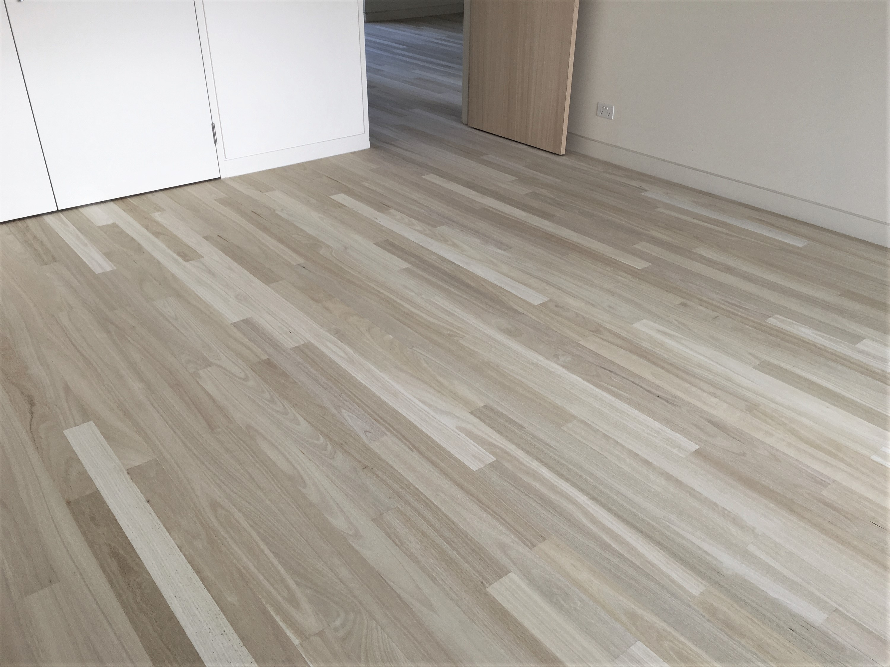 Permalink to Bleached Wooden Flooring