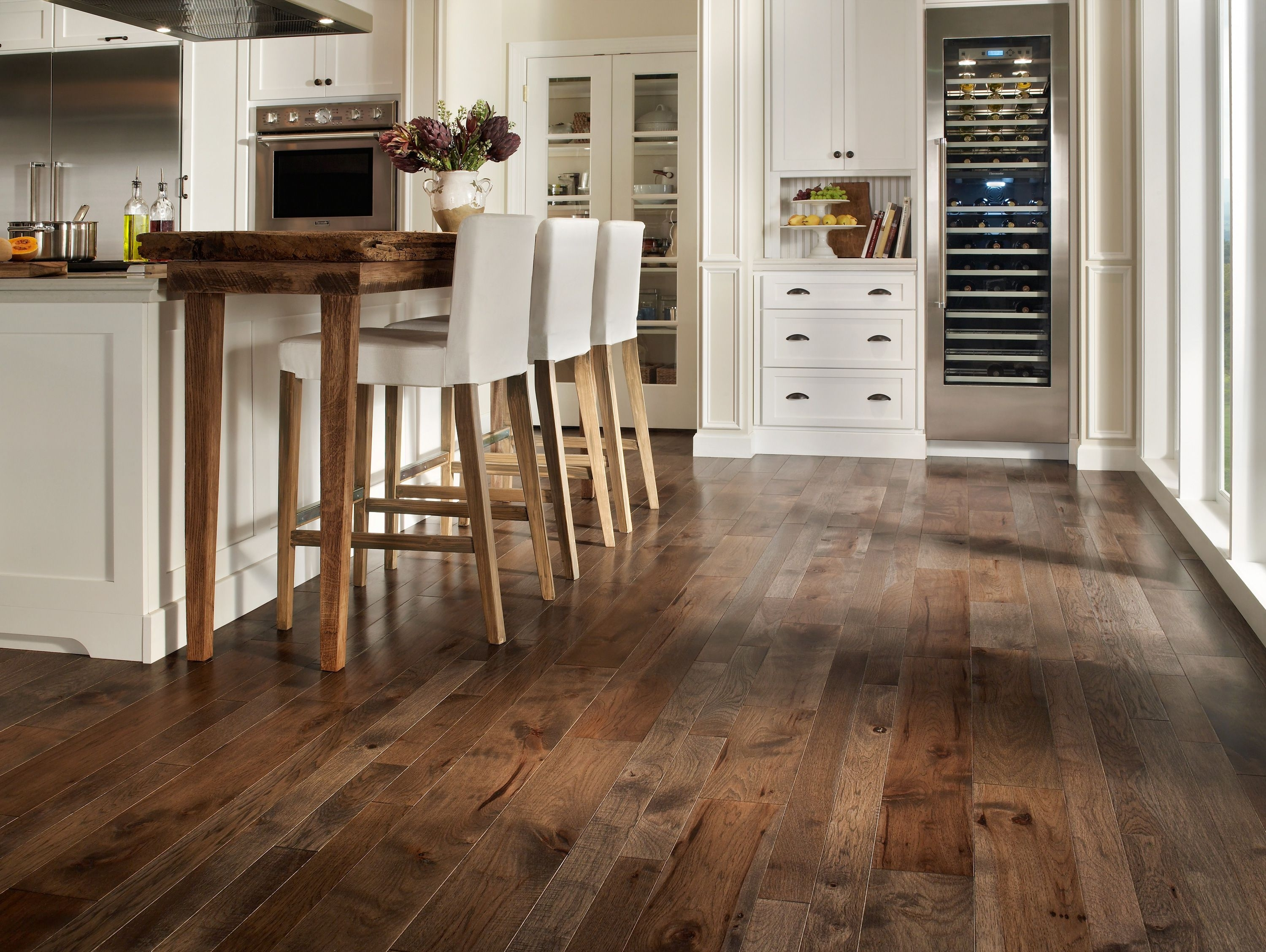 Choose Laminate Wood Floor Color