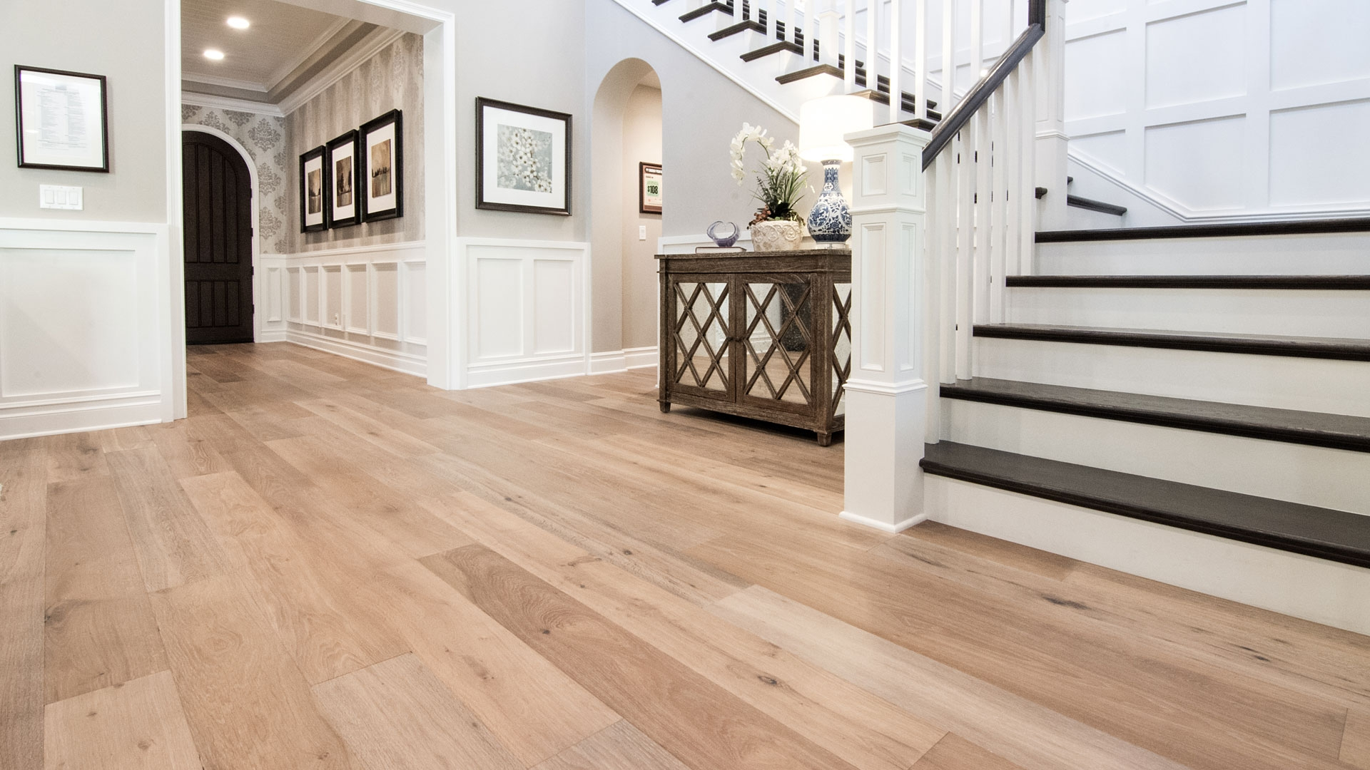 Model Homes With Wood Flooring