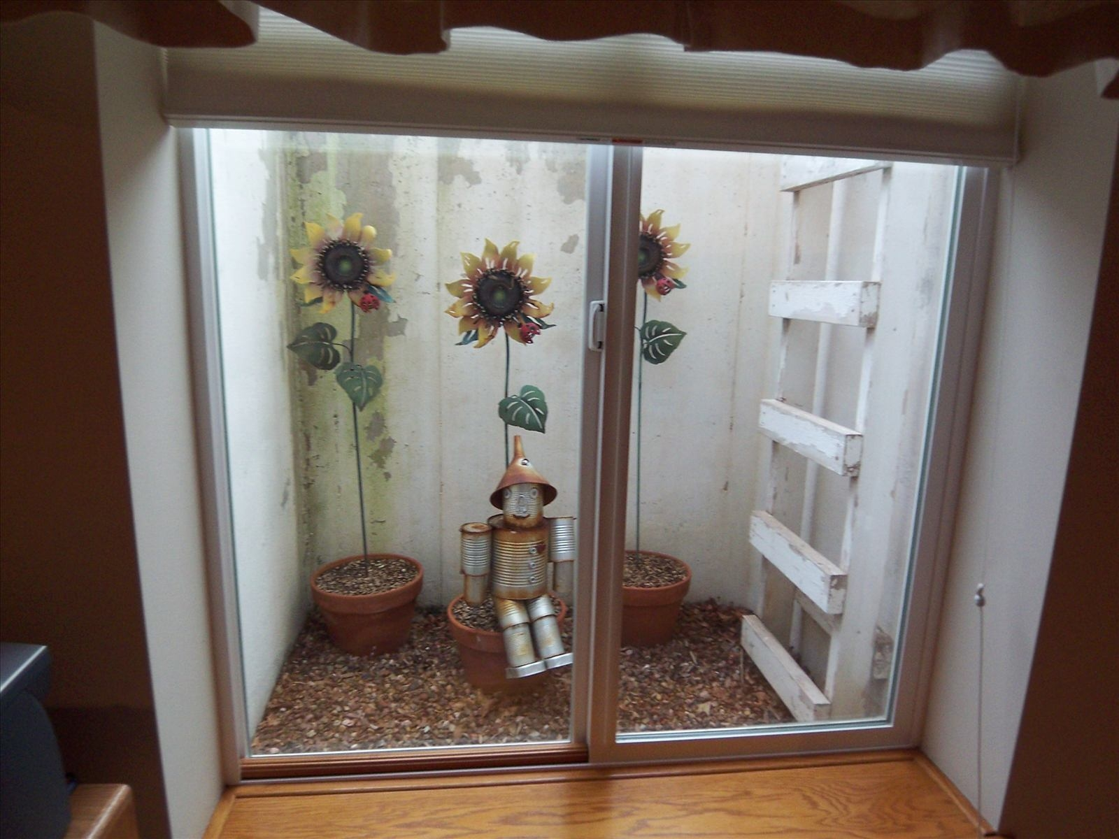 Basement Window Well Decorative Liners Basement Window Well Decorative Liners kansans love basements and we have many kinds examples of the 1600 X 1200