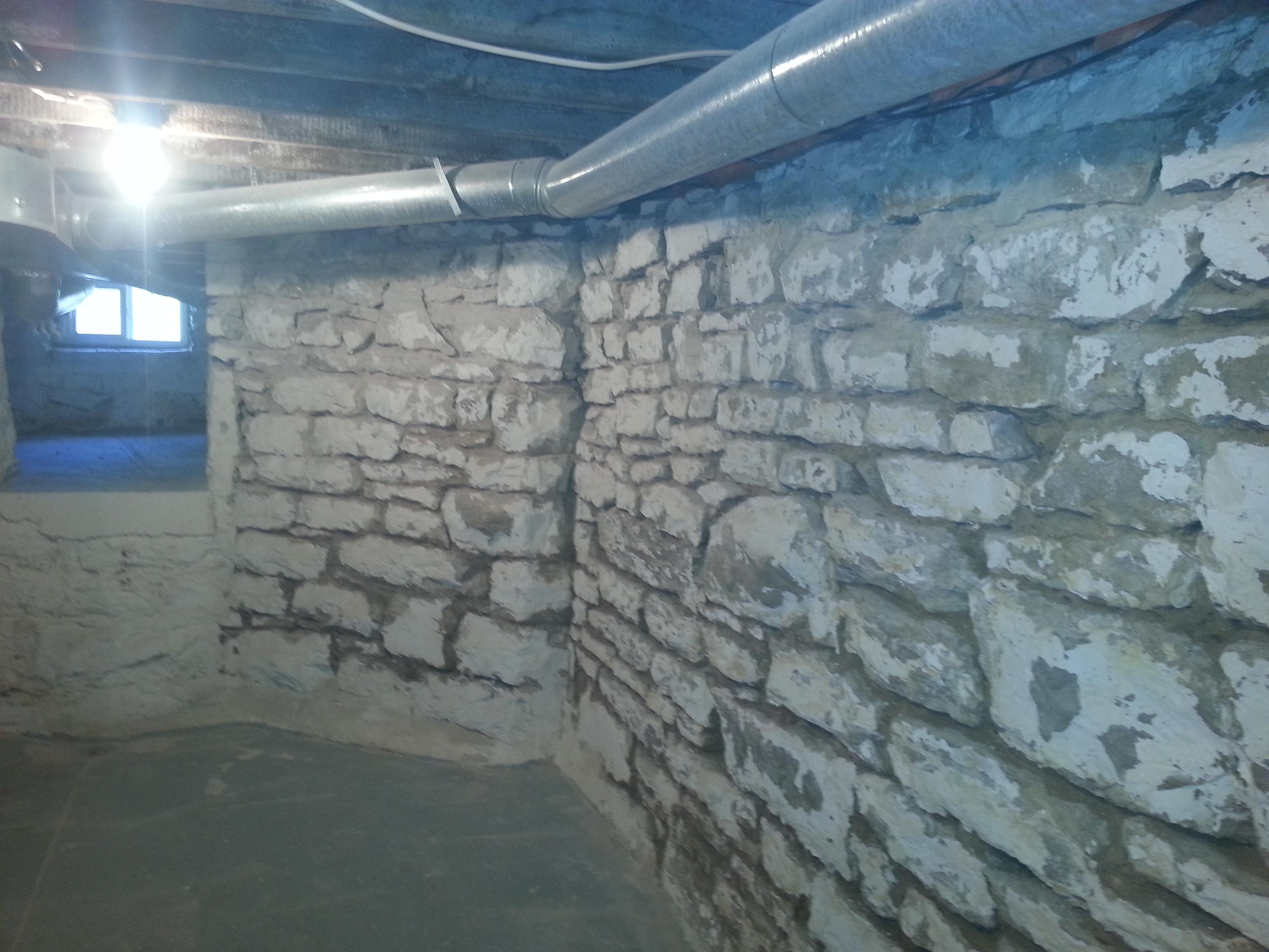 Fieldstone Basement Walls