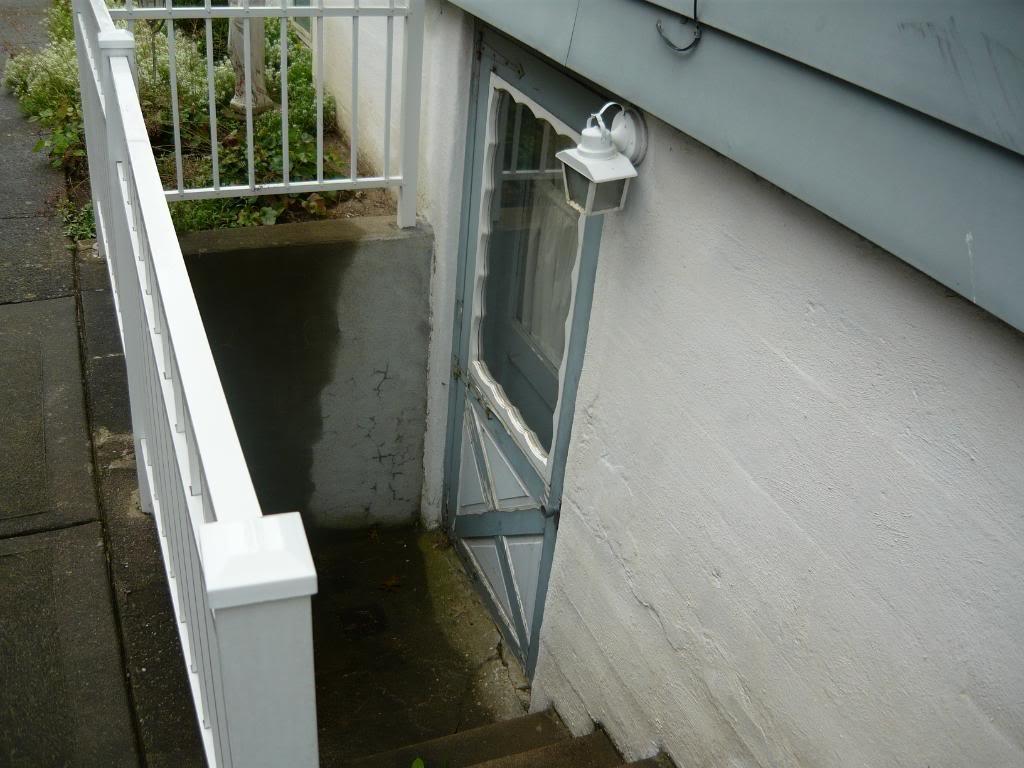 Outdoor Basement Stairwell Drain
