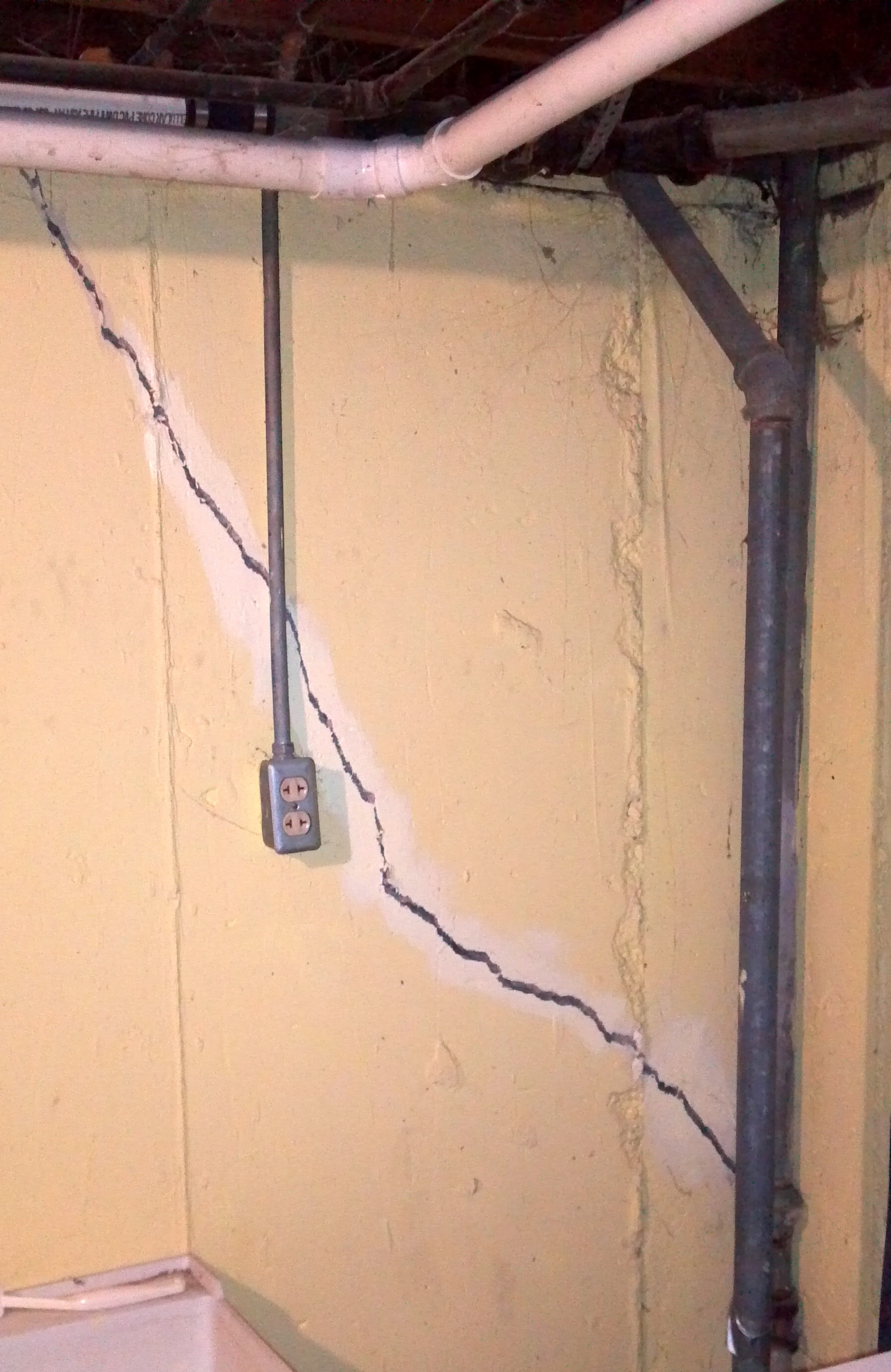 Poured Concrete Basement Wall Cracks