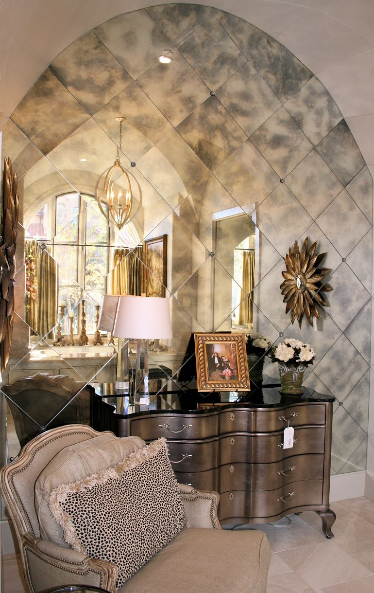 Antique Round Mirrors For Walls